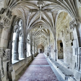 .Abbaye de Cadouin